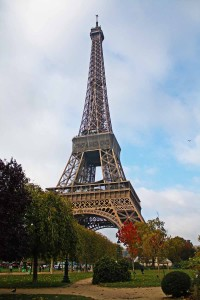 A Torre Eiffel vista a parir do Champs de Mars © Marina Aurnheimer /  Imagina na Viagem