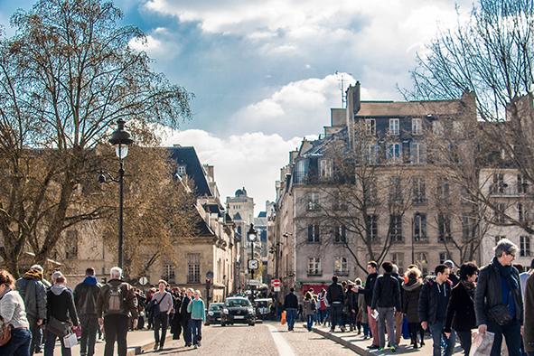 Ruas cheias, mas não menos charmosas. © Marina Aurnheimer / Imagina na Viagem