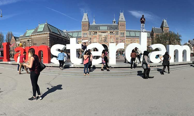 I Amsterdam - Museumplein © Imagina na Viagem - pontos turísticos imperdíveis na europa