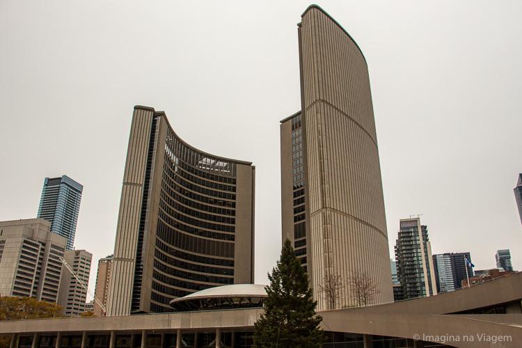 O que fazer em Toronto - Nathan Phillips Square © Imagina na Viagem