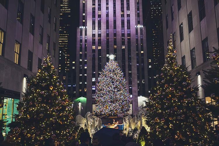 Ao final do outono, a cidade de Nova York já se enfeita para o Natal - outono em Nova York